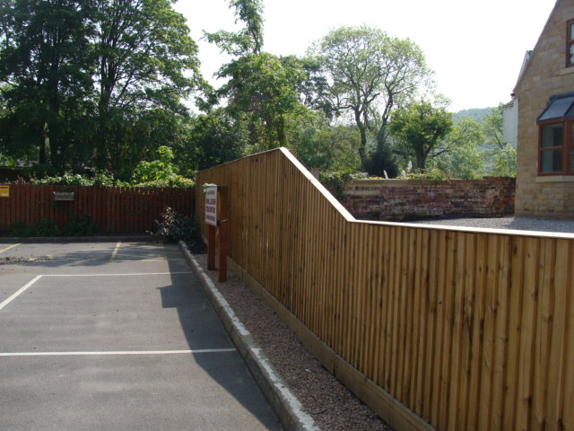 Commercial Fencing featured image